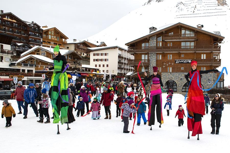 Chromatix et enfants sur la neige