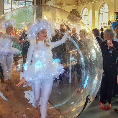 Grâce et légèreté d'une danseuse bulle