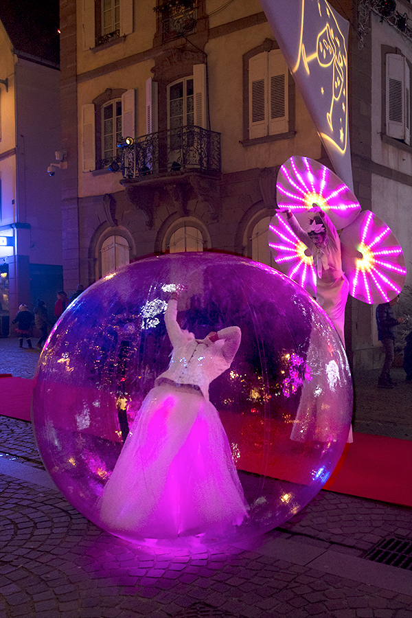 Une danseuse bulle et une Nymphéa