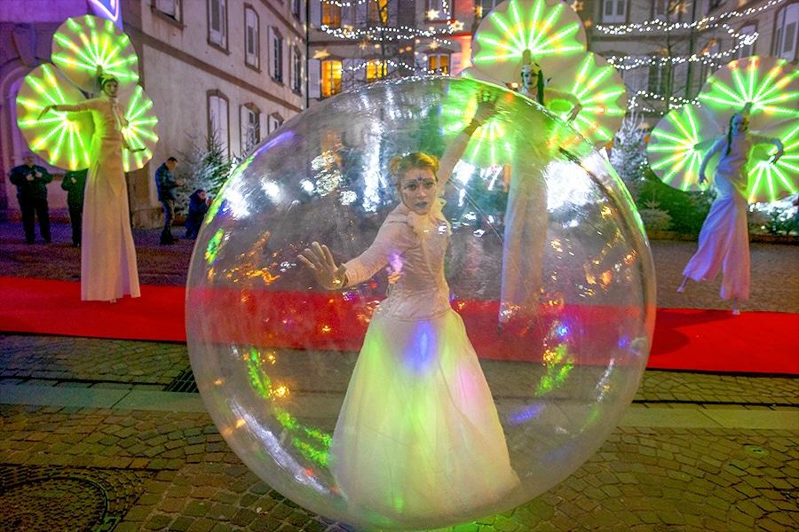 Une danseuse-bulle et des Nymphéas à Haguenau