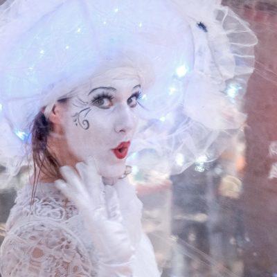 Une danseuse en bulle