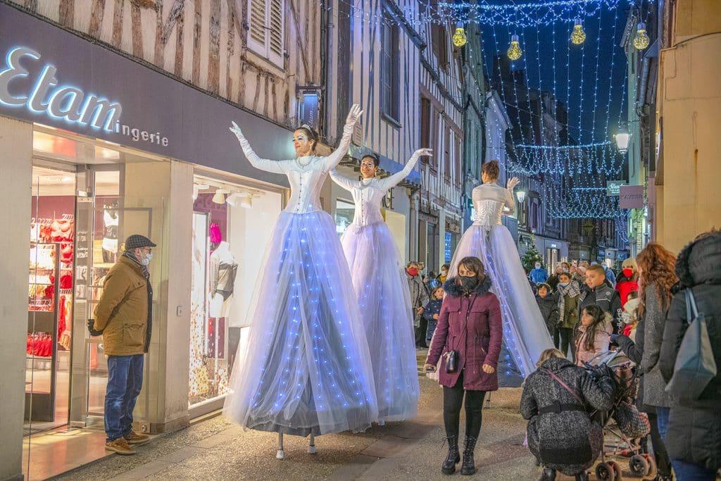 Artistes dans les rues de Sens